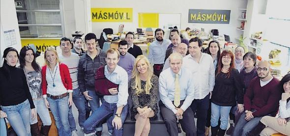Belén Esteban y el equipo de MÁSmovil