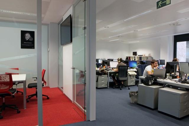 Espacios abiertos y salas de reuniones